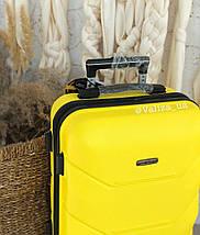 Желтый пластиковый чемодан ручная кладь, фото 3