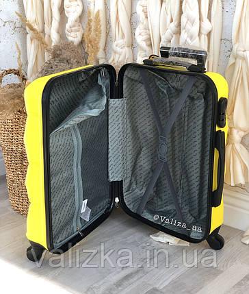 Средний пластиковый чемодан розовый, фото 2