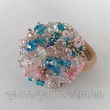 Гумка для волосся з кришталевими намистинами бісером, стразами і кристалами намистинами ручної роботи Блакитний з рожевим