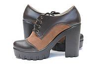Кожаные женские туфли на каблуке коричневого цвета