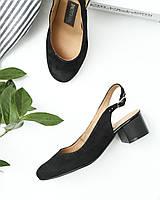Черные замшевые босоножки на невысоком каблуке