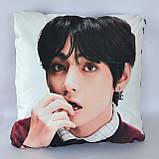 Подушка k-pop 40х40 см із змінною наволочкойВТЅ - Ві, фото 2