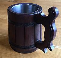 Деревянная кружка с металлической вставкой.