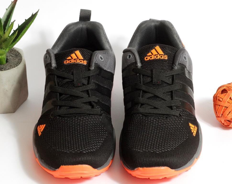 0386 Кроссовки Adidas черного цвета. 43 размер - 27,5 см по стельке