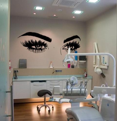 Наклейка на стіну Брови і очі (густі вії, жіночий погляд, декор в салон краси)