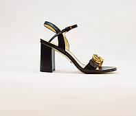 Босоніжки жіночі з натуральної шкіри на високому каблуці стовпчик чорні, фото 1