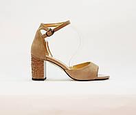 Босоножки женские натуральная замша на высоком каблуке с закрытой пяткой, бежевые, фото 1