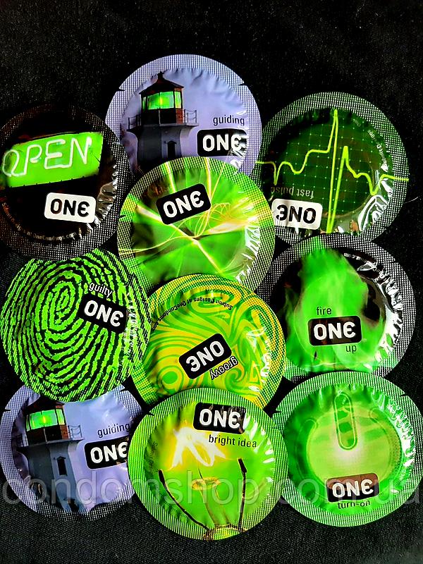 Светящиеся презервативы Премиум класс One Glowing .Качество Durex.1 шт.