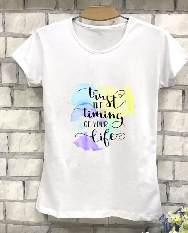 Летняя футболка с красивой надписью