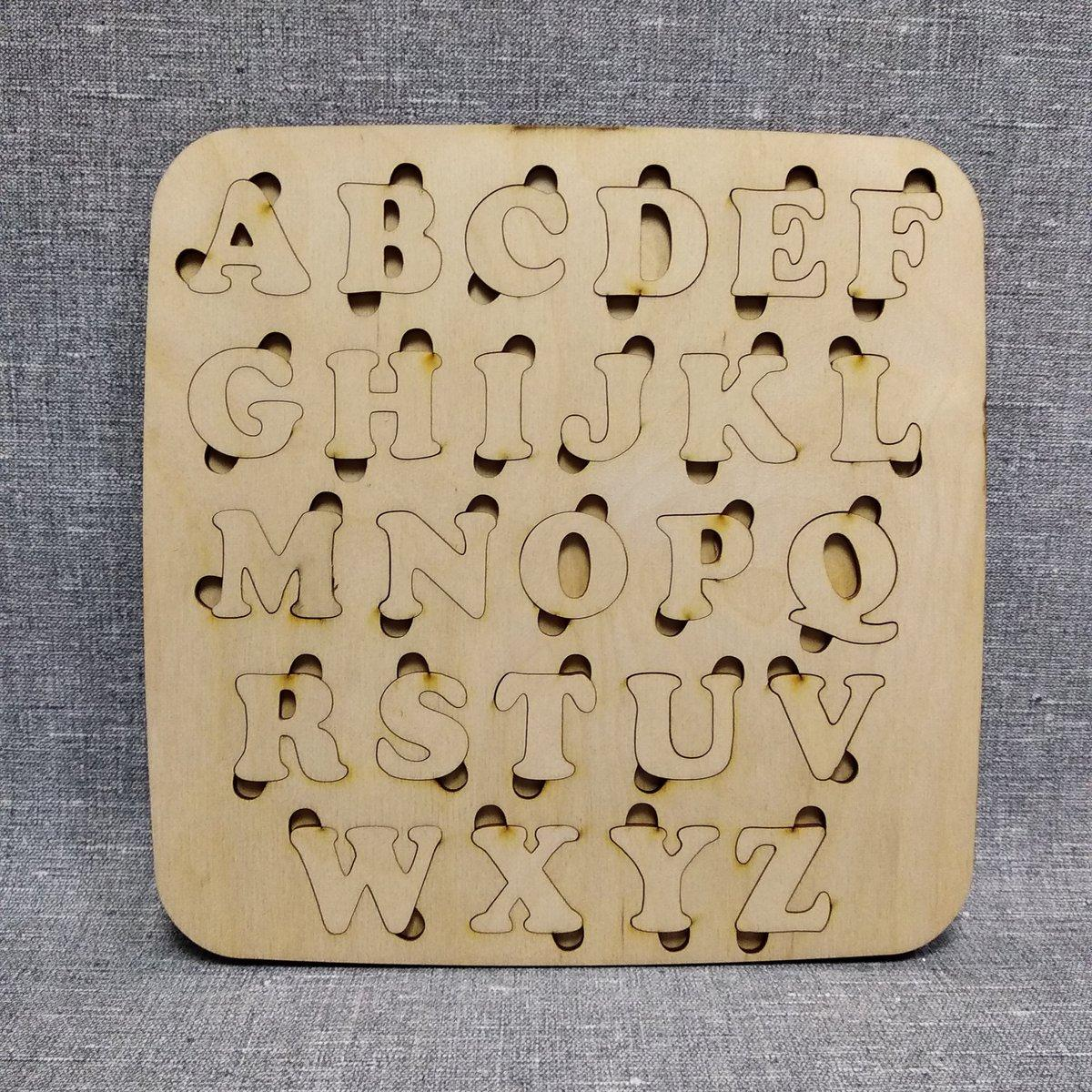 Деревянный алфавит-пазл для английского языка. Обучающий игровой набор