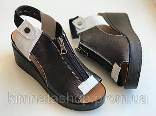 Женские кожаные босоножки черные с белым Caravan, 36-40р