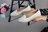 Женские кожаные слипоны с перфорацией белый без брошки, фото 4