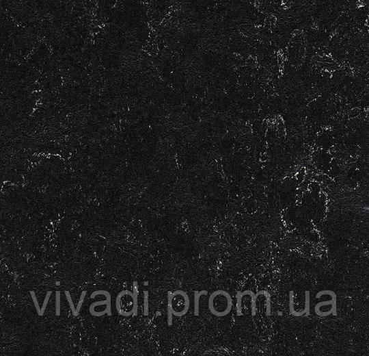 Токорассеївальний Мармолеум-black