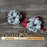 Резинка для волос  серые цветы ручная работа