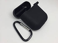 Силиконовый чехол для AirPods с карабином чёрный