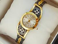 Женские кварцевые наручные часы Kmair на металлическом ремешке со стразами