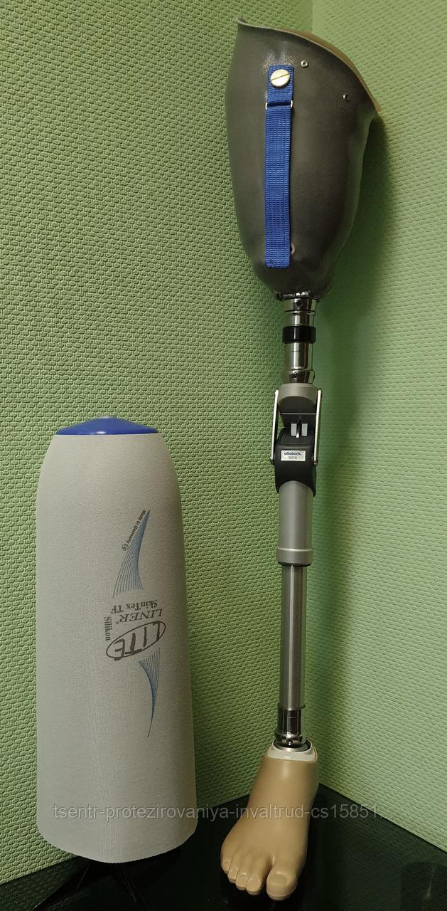 Декорированные протезы бедра с системой крепления KISS и узлом 3R106
