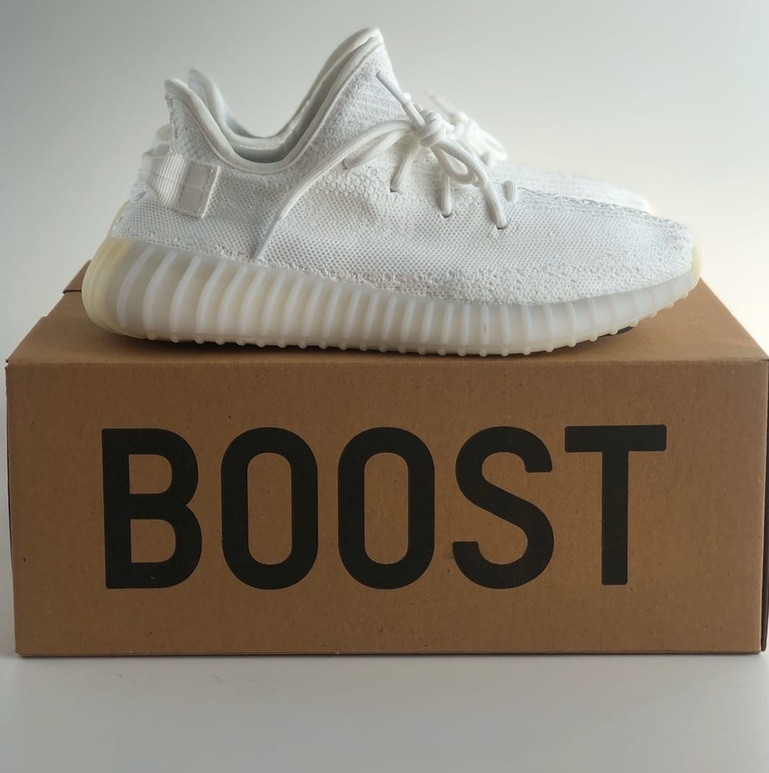 Женские кроссовки Adidas Yeezy 350 белые 36-44 рр.  Живое фото (Реплика ААА+)