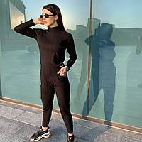 Жіночий повсякденний теплий костюм рубчик чорного кольору з нашивками (38432) в розмірі oversize