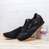 Стильные кроссовки Reebok Classic. Мужские кроссы черные с оранжевой подошвой Рибок Классик замша