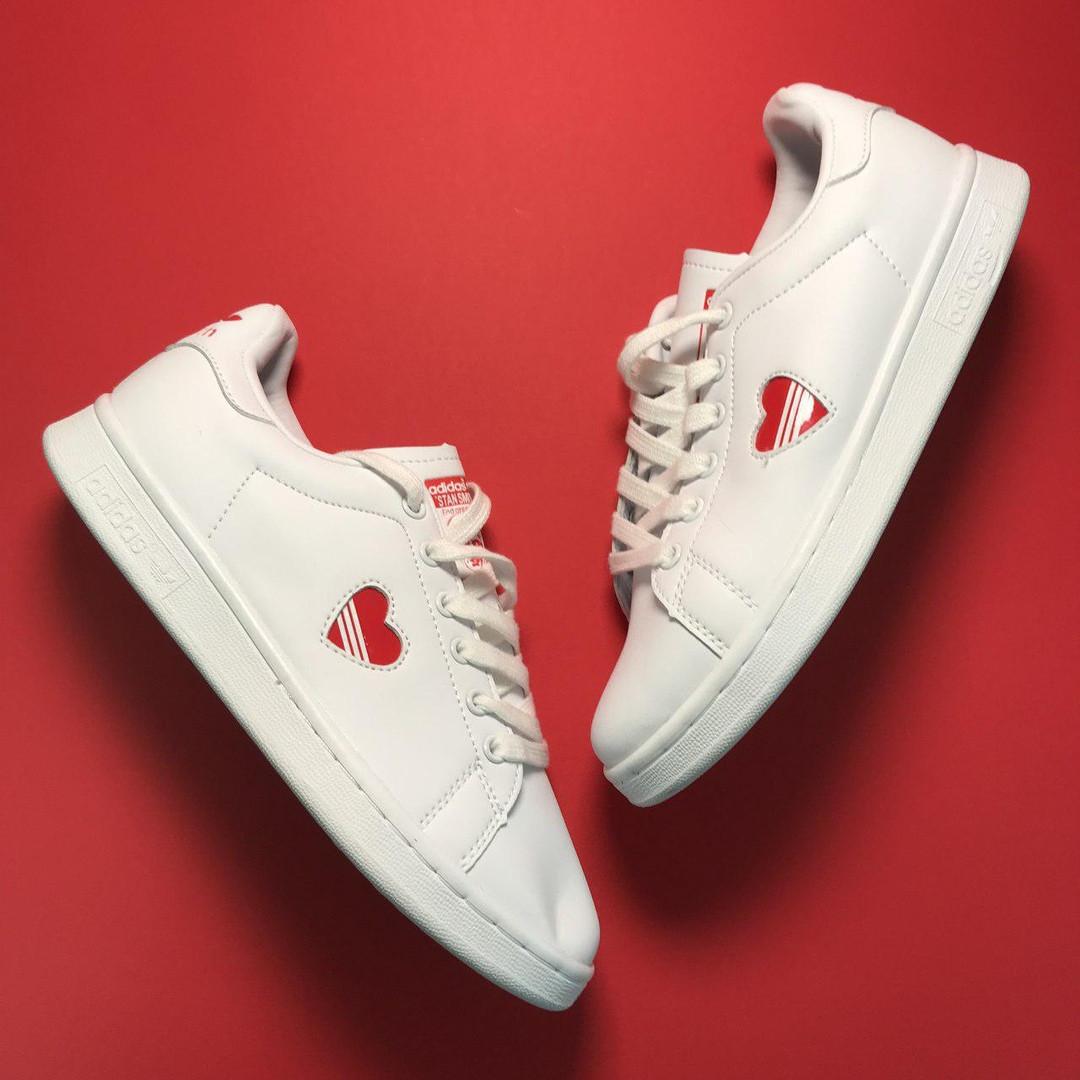 Женские кроссовки Adidas Stan Smith White Red Heart, женские кроссовки адидас стэн смит