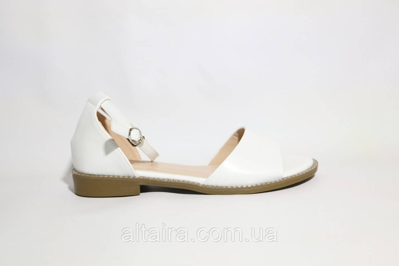 Білі жіночі літні босоніжки зі шкірозамінника. Розміри 36-41