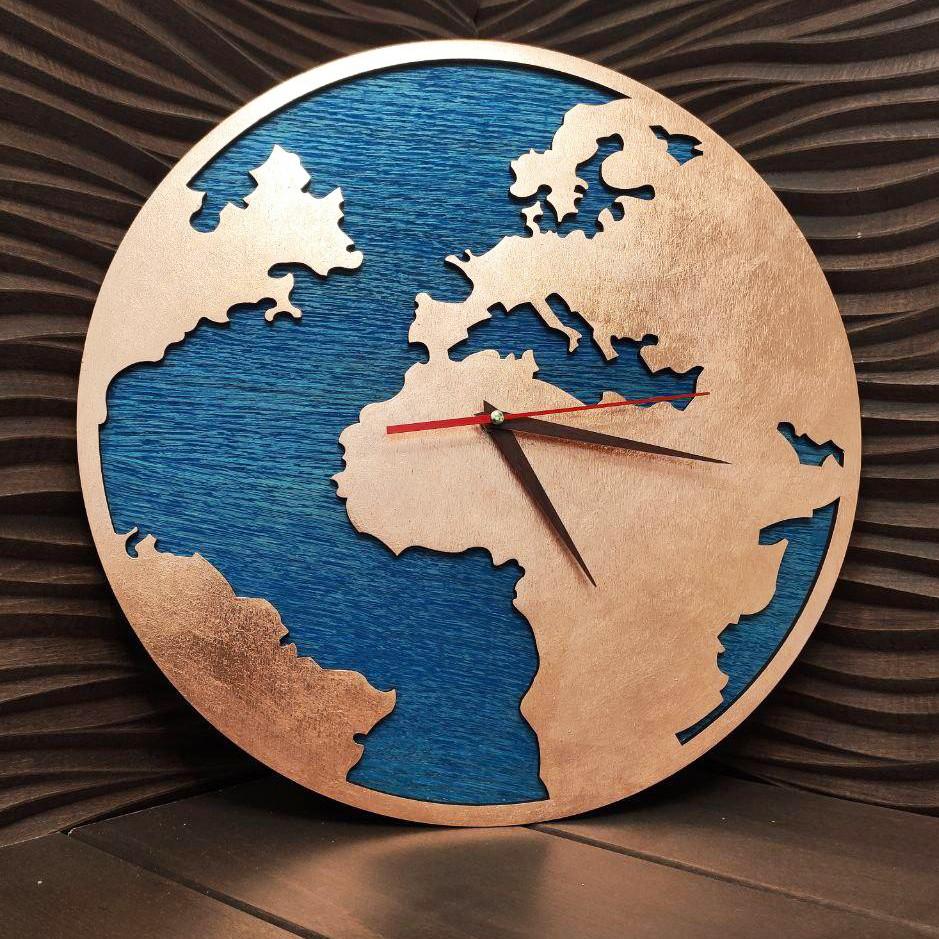 Часы с ефектом бронзы