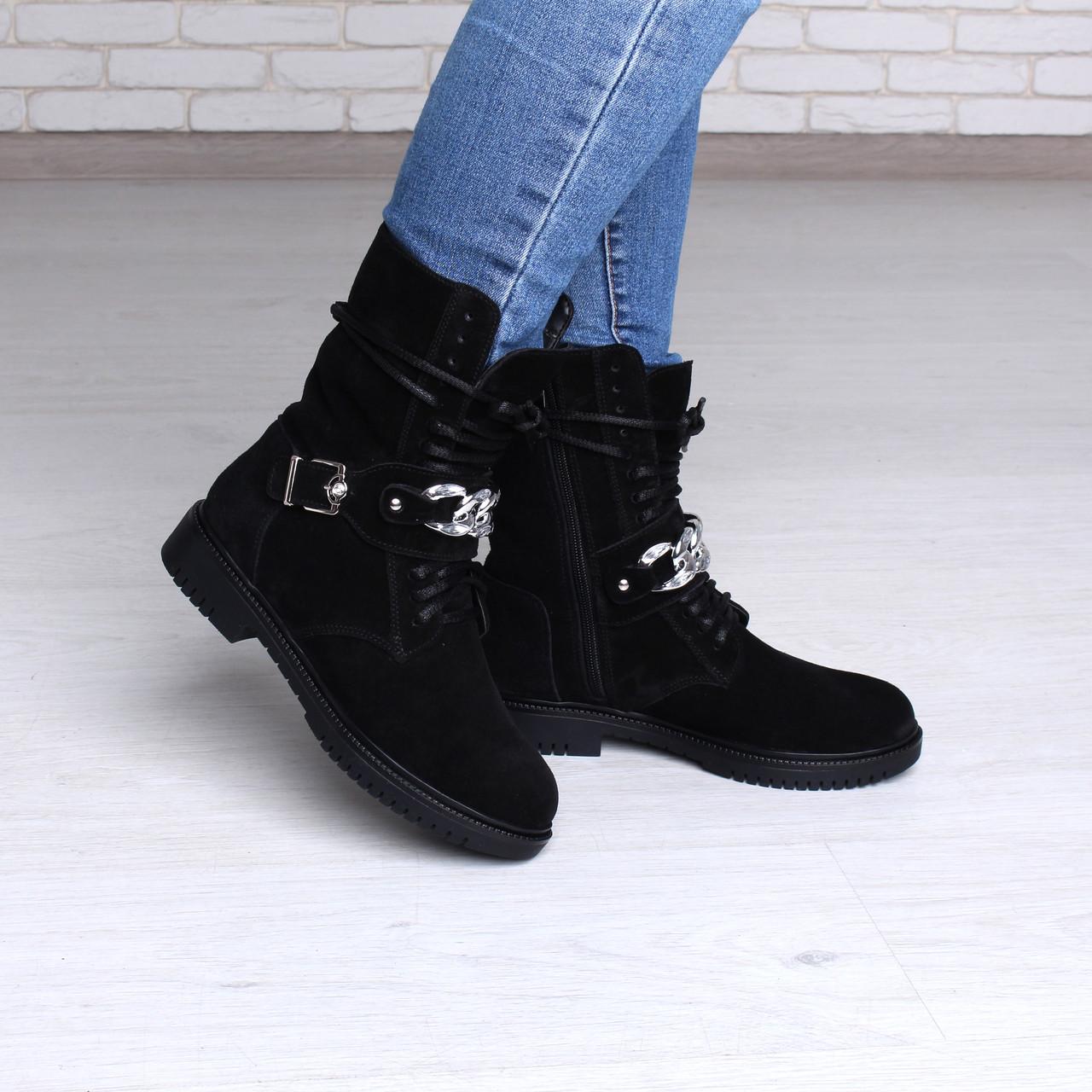 Черные замшевые ботинки женские