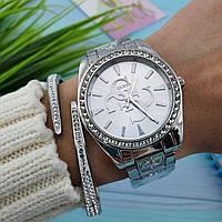 Модные женские наручные часы на ремешке.  Люкс копия