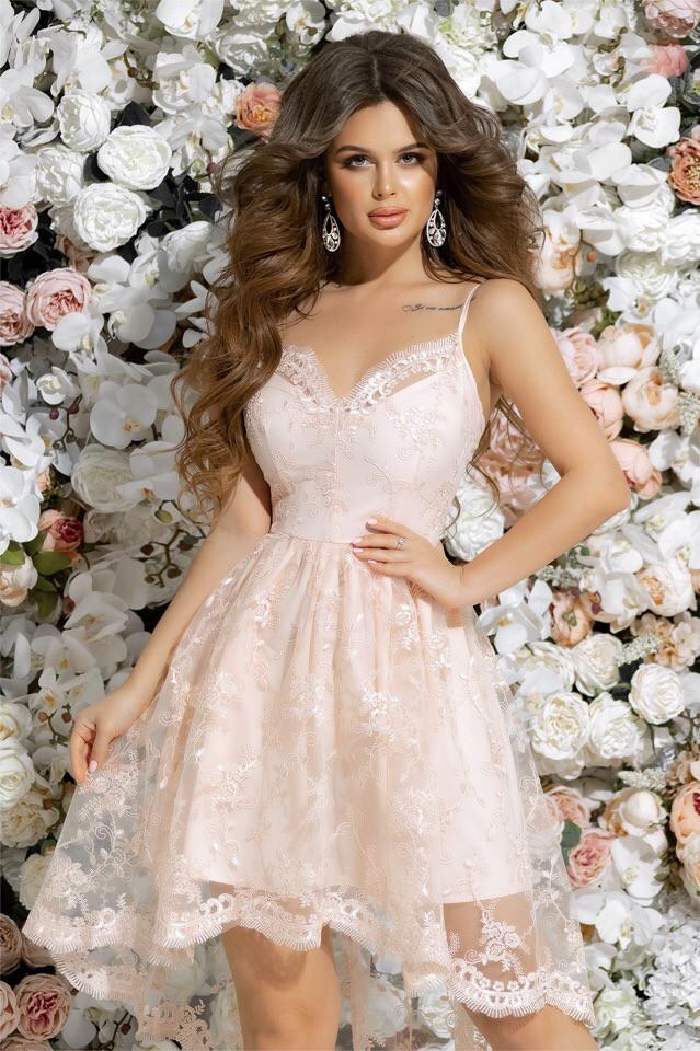 Вечерние платья с вышивкой