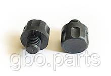 Кришка (пробка, заглушка) заправного пристрою (ВЗУ) в лючок, пластик