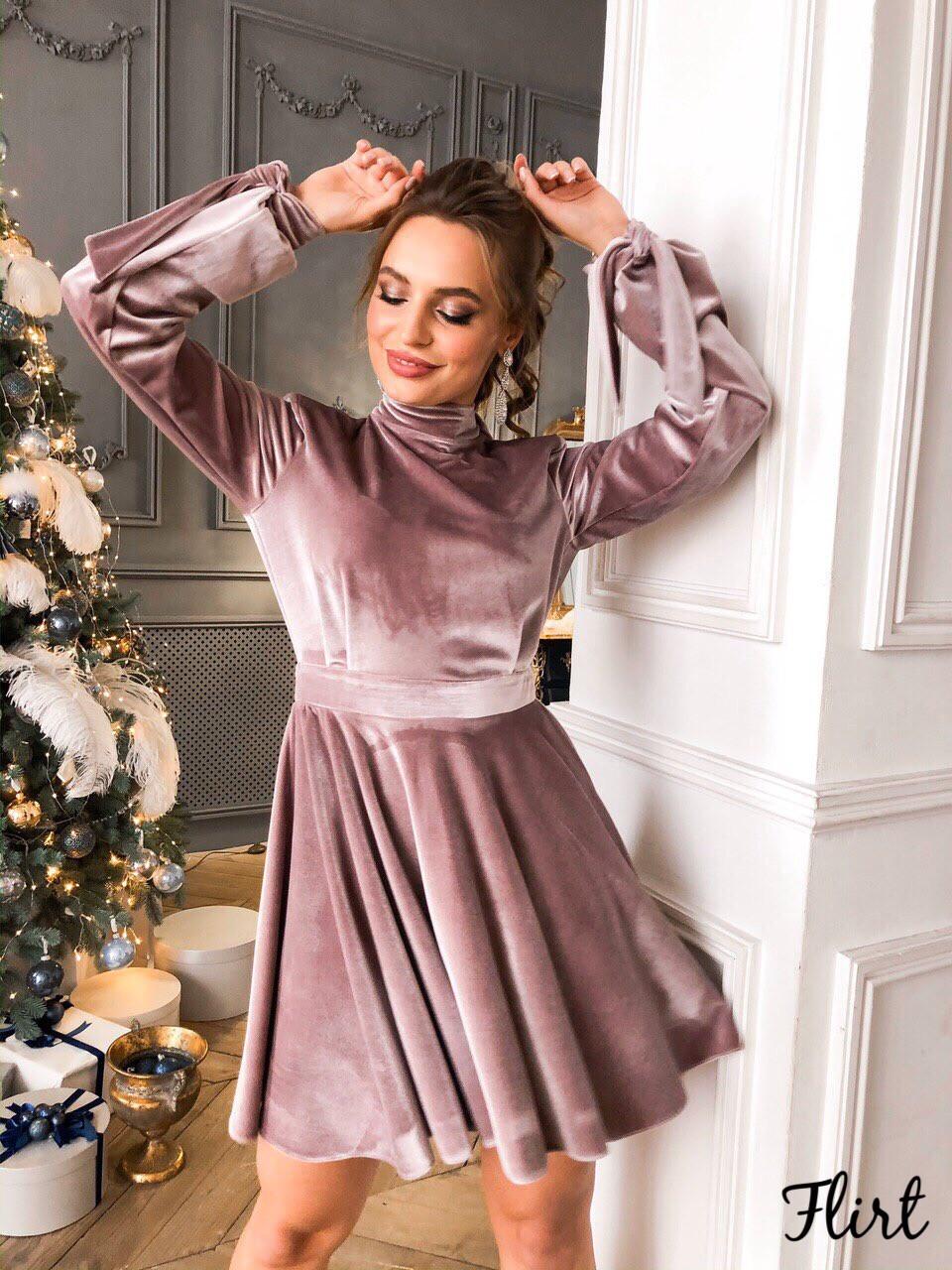 Нарядное платье из бархат с открытой спиной