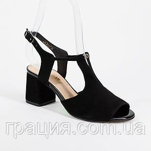 Женские элегантные замшевые босоножки на каблуке