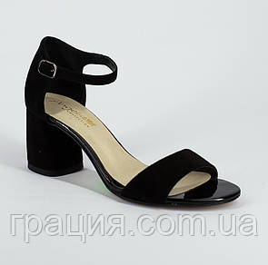Женские замшевые элегантные босоножки на каблуке с закрытой пяткой