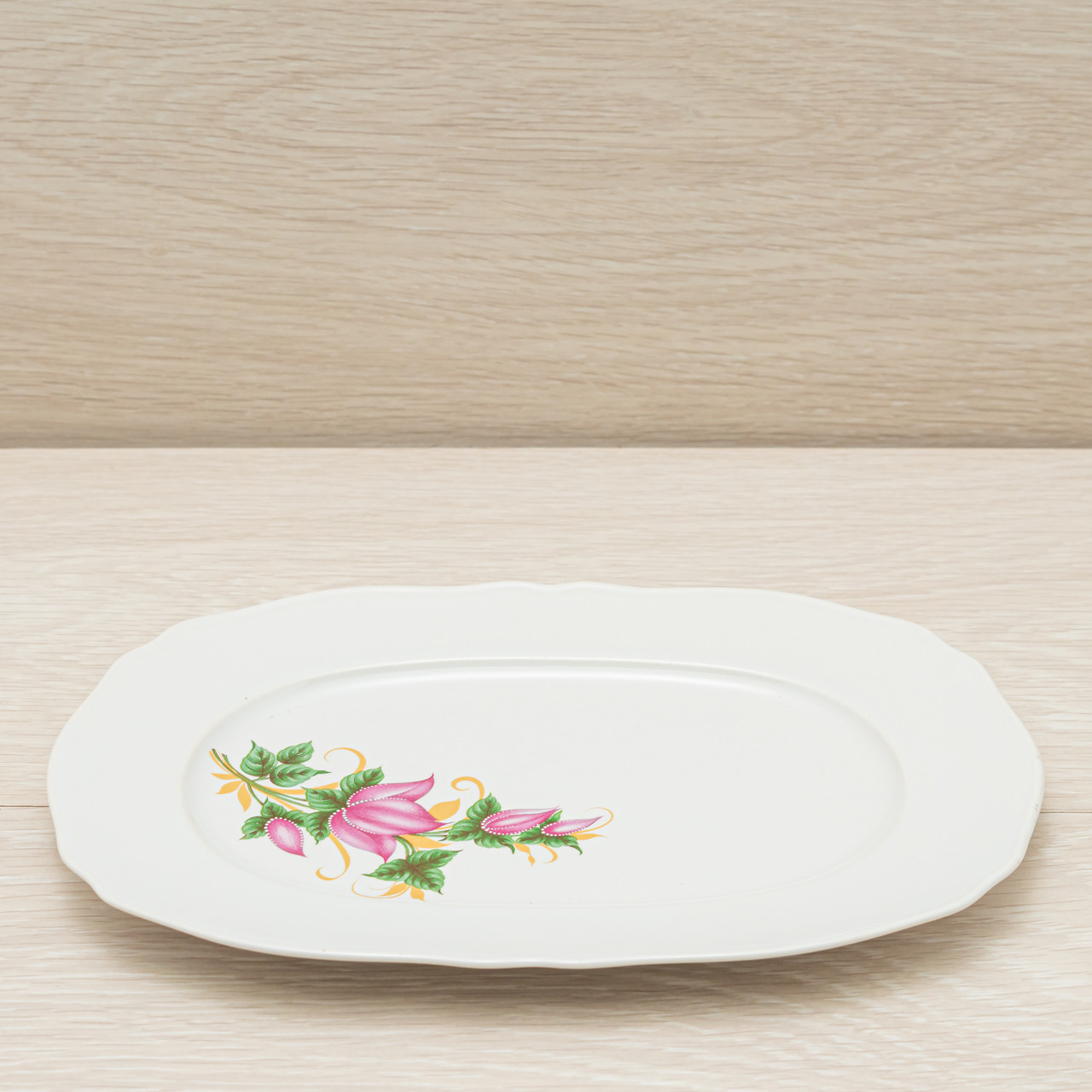 Блюдо белое с деколью 25см