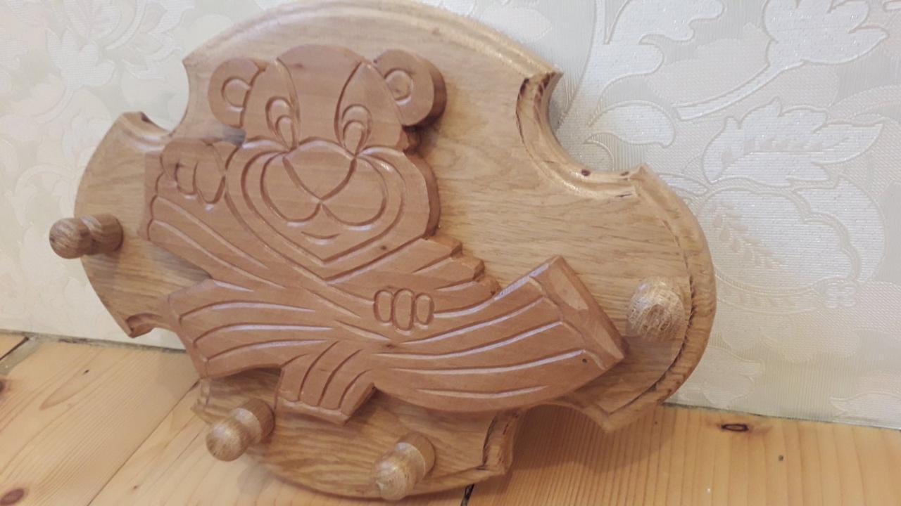 Дитячий вішак із дерева ручна робота Ведмедик