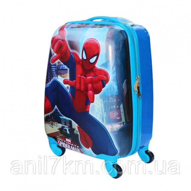 Дитяча валіза на чотирьох колесах