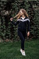 Модный женский спортивный костюм трехцветный с кофтой на молнии и брюками на манжете производитель