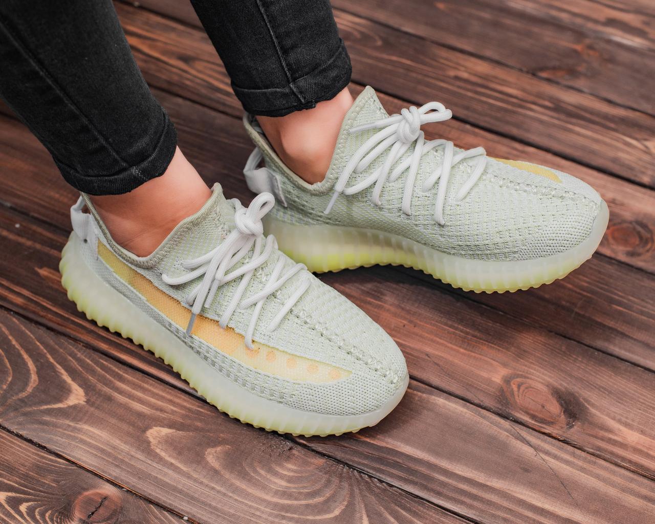 Женские кроссовки Adidas Yeezy Boost 350 V2, женские кроссовки адидас изи буст 350 в2, кросівки Adidas Yeezy