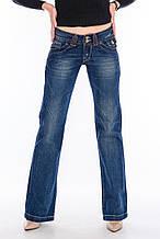 Женские джинсы OMAT jeans клёш от бедра 9216 синие