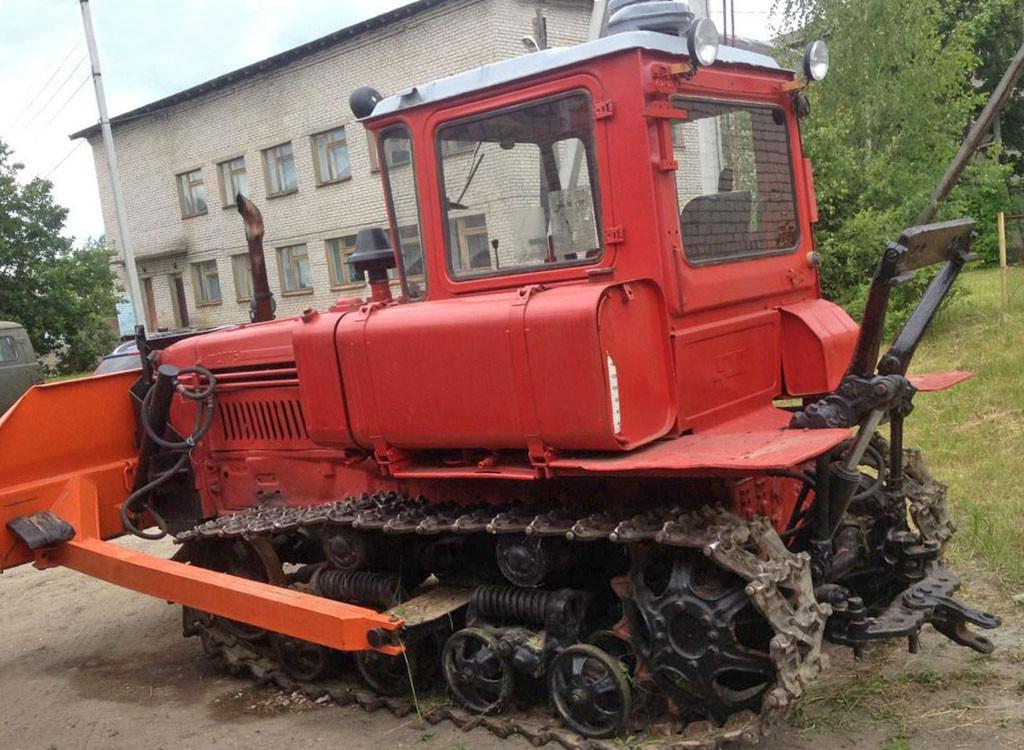 Аренда экскаватора бульдозера ДТ-75 в Киеве