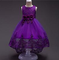 Платье фиолетовое со шлейфом три розы с отделкой из кружева и паеток нарядное для девочки.