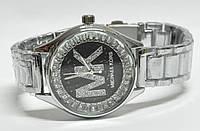 Часы на браслете mk 457