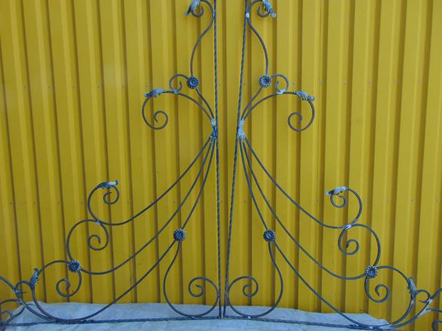 Ковка на ворота, ковані елементи