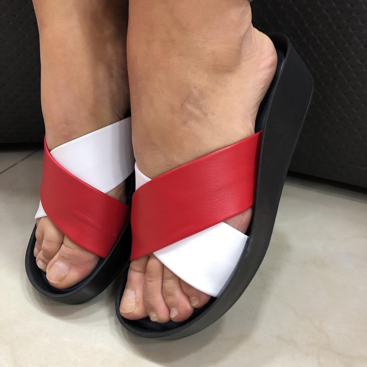 Шльопанці жіночі BRENDA білий + червоний