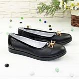 Женские кожаные черные туфли-балетки, декорированы бантиком, фото 2