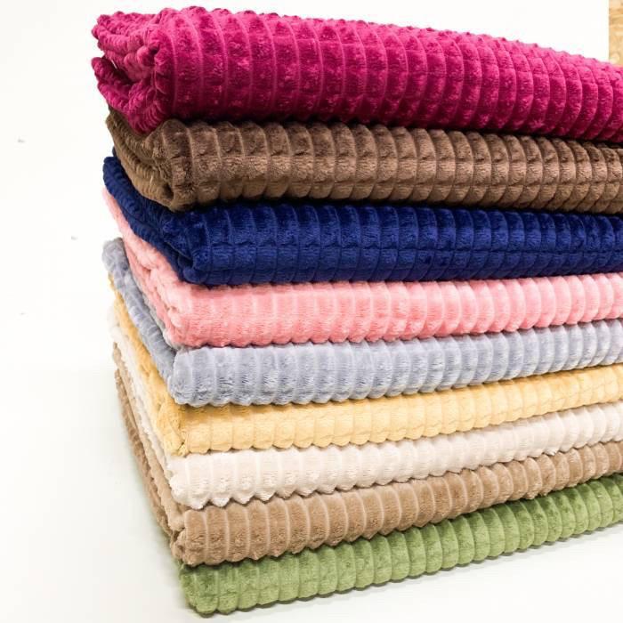 """Плед «Квадрати"""" різних кольорів, розмір 180х220 см, 295/335 грн (ціна за 1 шт +40 грн)"""