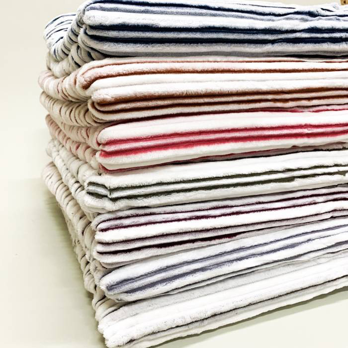 """Плед «Смугастий"""" велюр, різних кольорів, розмір 220х240 см, 330/370грн (ціна за 1 шт +40 грн)"""