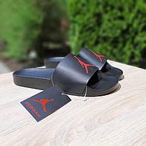 Чоловічі літні шльопанці чорні з червоною емблемою Джордан, фото 3