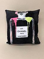 """Декоративна подушка «Channel #5"""", розмір 40х40 см, ціна 200 грн"""